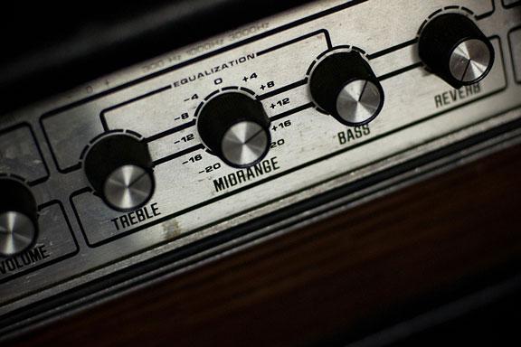 guitar amplifier knobs