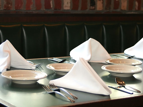 linen napkins at place settings