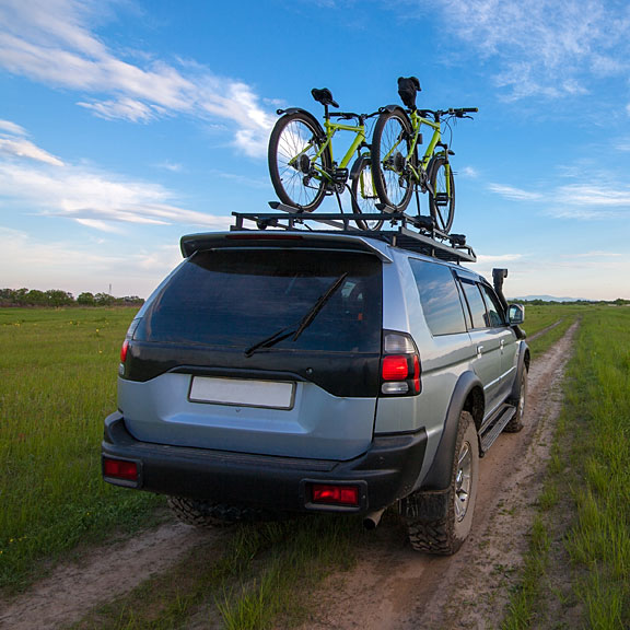 roof rack with bicycles, on an SUV