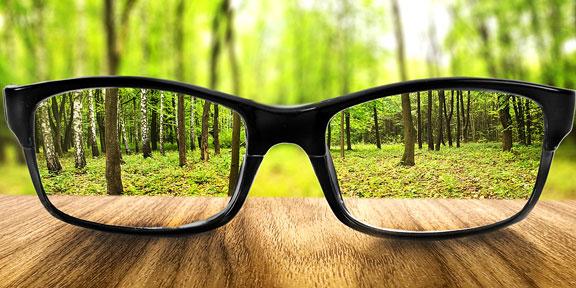 clear vision through eyeglass lenses